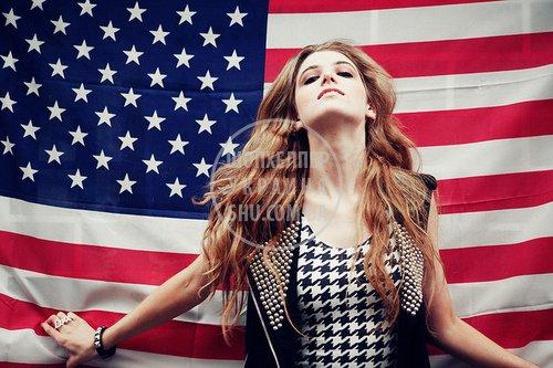 amerika-amerikanskiy-flag-devushka-mayli-sayrus-model-Favim.ru-44321.jpg