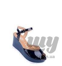 shoesExt (1).jpg